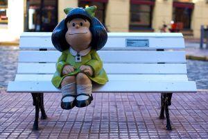 Em Buenos Aires construiram este banquinho especial com a Mafalda, quando  for a Buenos Aires com certeza passarei por lá :D