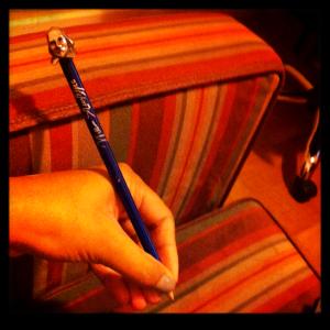 Não podia sair de lá sem uma lembrancinha, adorei este lápis do Shakespeare!